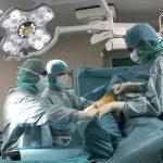 Prof-Vaienti-protesi-anca-sala-operatoria equipe medica